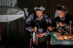 Dukkespiller Karina Nielsen og Ida marie Tjalve